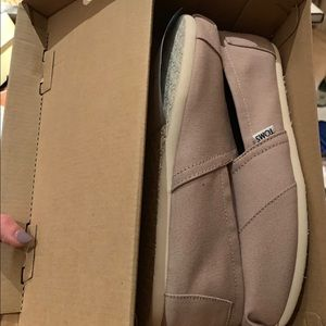 Toms Light Gray Canvas shoes